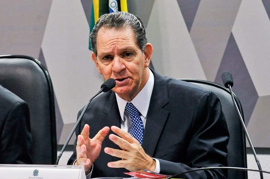 Noronha vota para restringir foro no STJ; Salomão pede vista