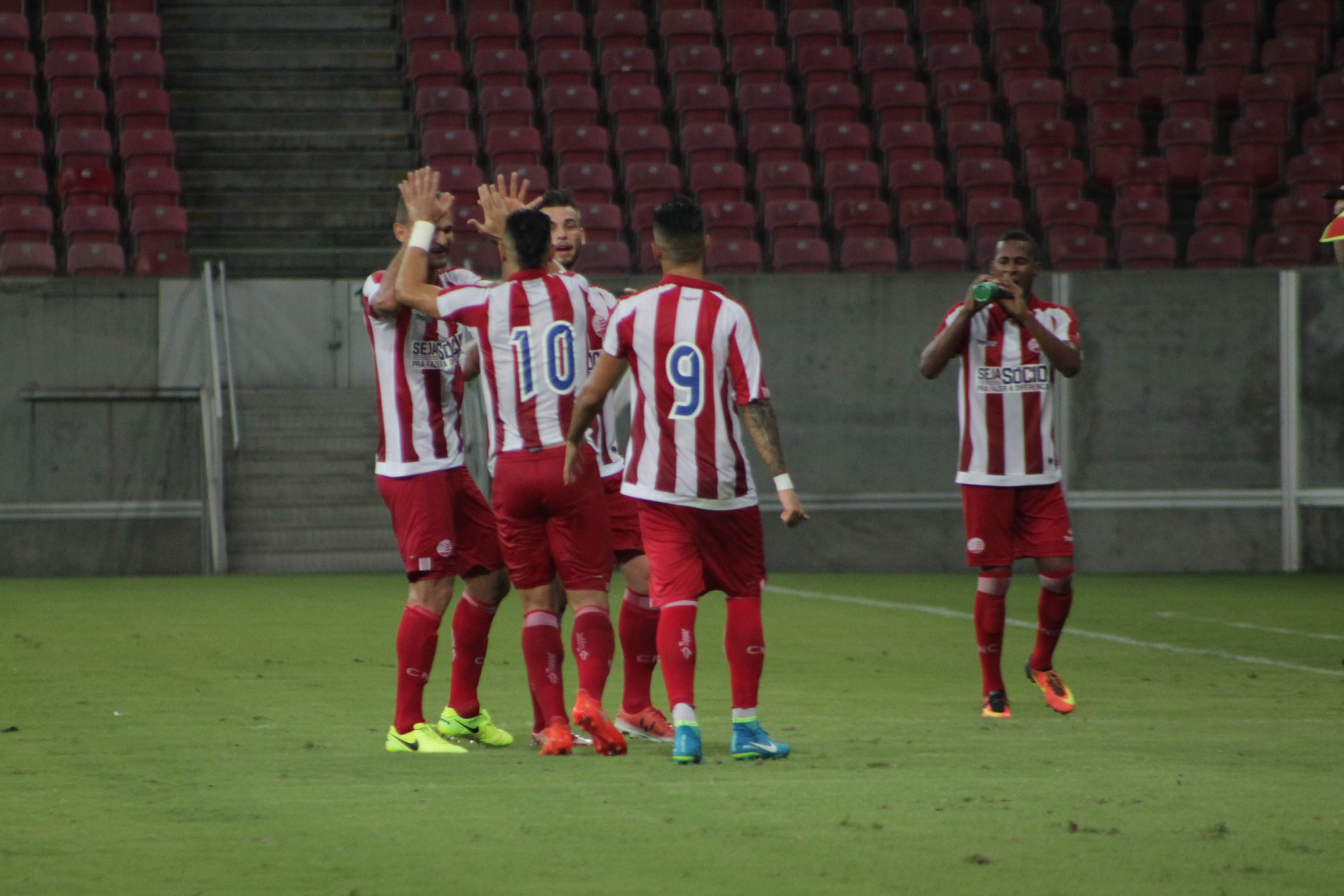 Náutico bate o Fluminense-BA e garante vaga na terceira fase da Copa do  Brasil 2eddf940c40f8