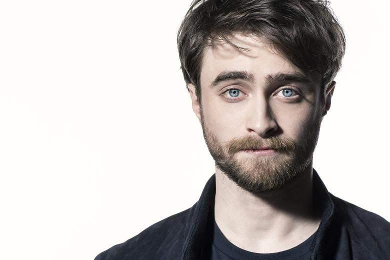 Daniel Radcliffe. Foto do site da Folha Vitória que mostra Daniel Radcliffe quebra o silêncio sobre a participação de Johnny Depp em filme