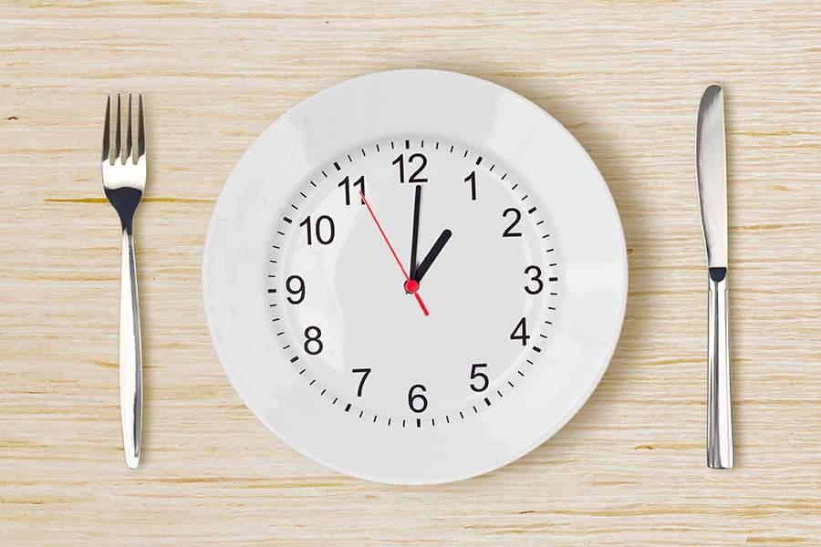 Conheça os benefícios do Jejum Intermitente com um cardápio para começar hoje mesmo!