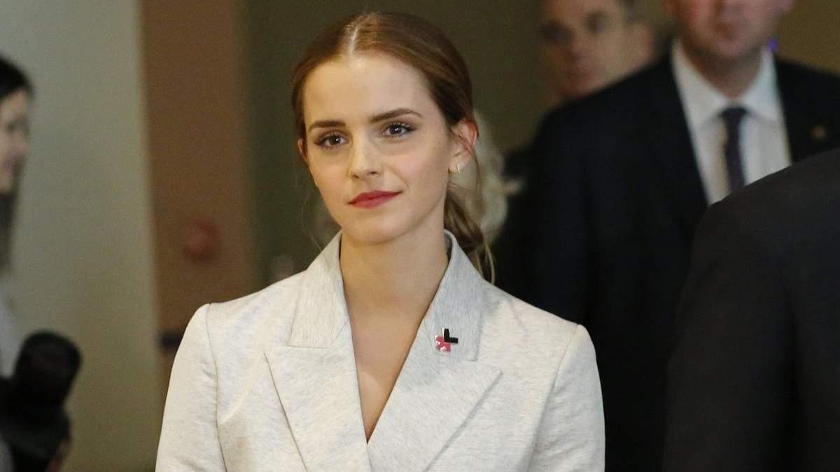 Emma Watson. Foto do site da Folha Vitória que mostra Emma Watson pode estar namorando ator de Glee