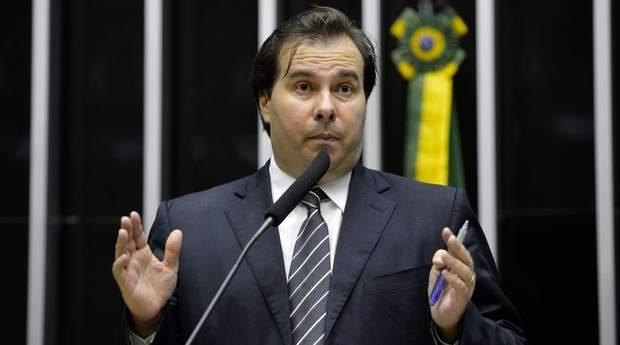 Heráclito Fortes estaria negociando com Rodrigo Maia o retorno ao DEM