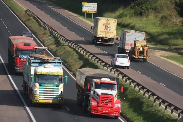 Transporte de cargas e logística sofre queda de 50% nas atividades no Espírito Santo