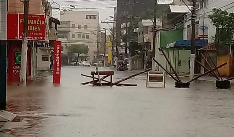 Vila Velha terá monitoramento em áreas de risco; município é um dos mais afetados pela chuva - Jornal Folha Vitória