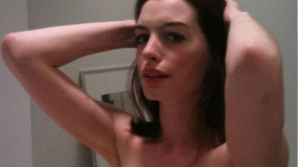 Hackers divulgam fotos íntimas de Anne Hathaway