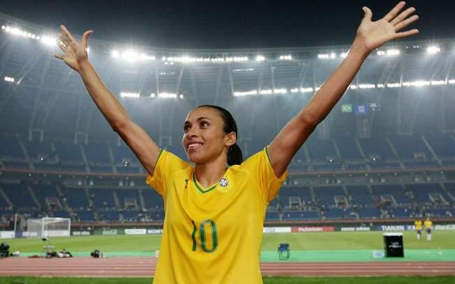 Marta festeja 1º gol na Copa América e Vadão avisa que poupará titulares na  sexta e4bbc10b96500