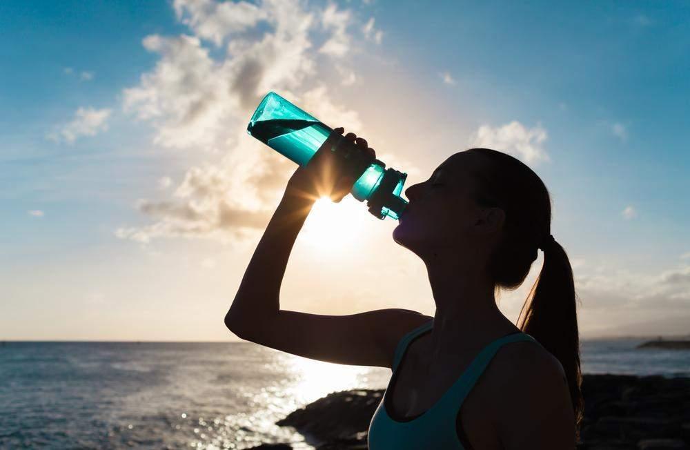 Resultado de imagem para água quanto precisamos tomar