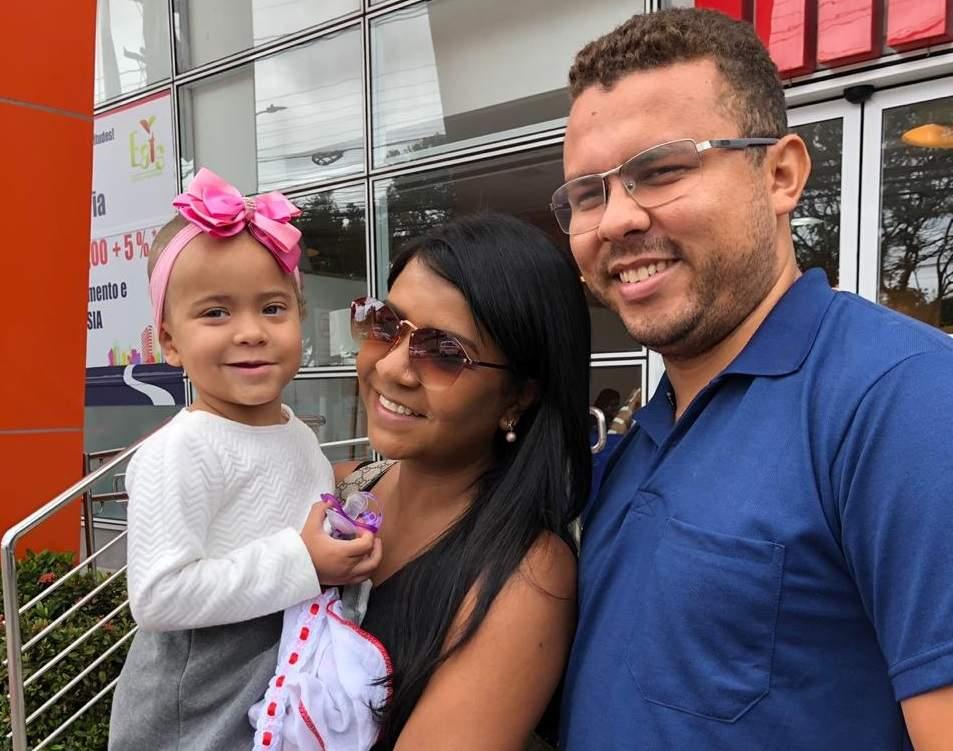 Final feliz! Após três semanas internada, criança atingida por concreto recebe alta - Jornal Folha Vitória