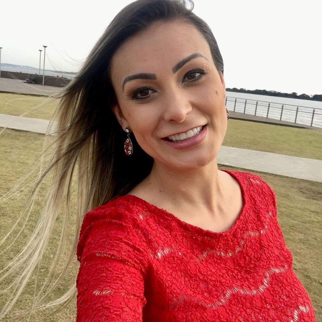 Andressa Urach Video Nua hoje eu sou livre. não preciso de cocaína, fama e roupa
