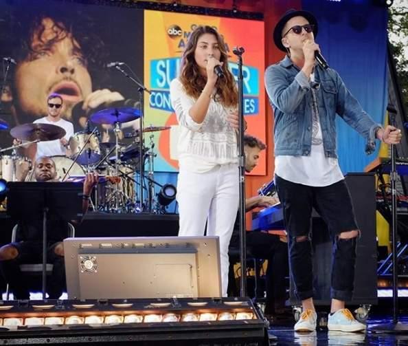 Filha de Chris Cornell canta 'Hallelujah' para homenagear o pai