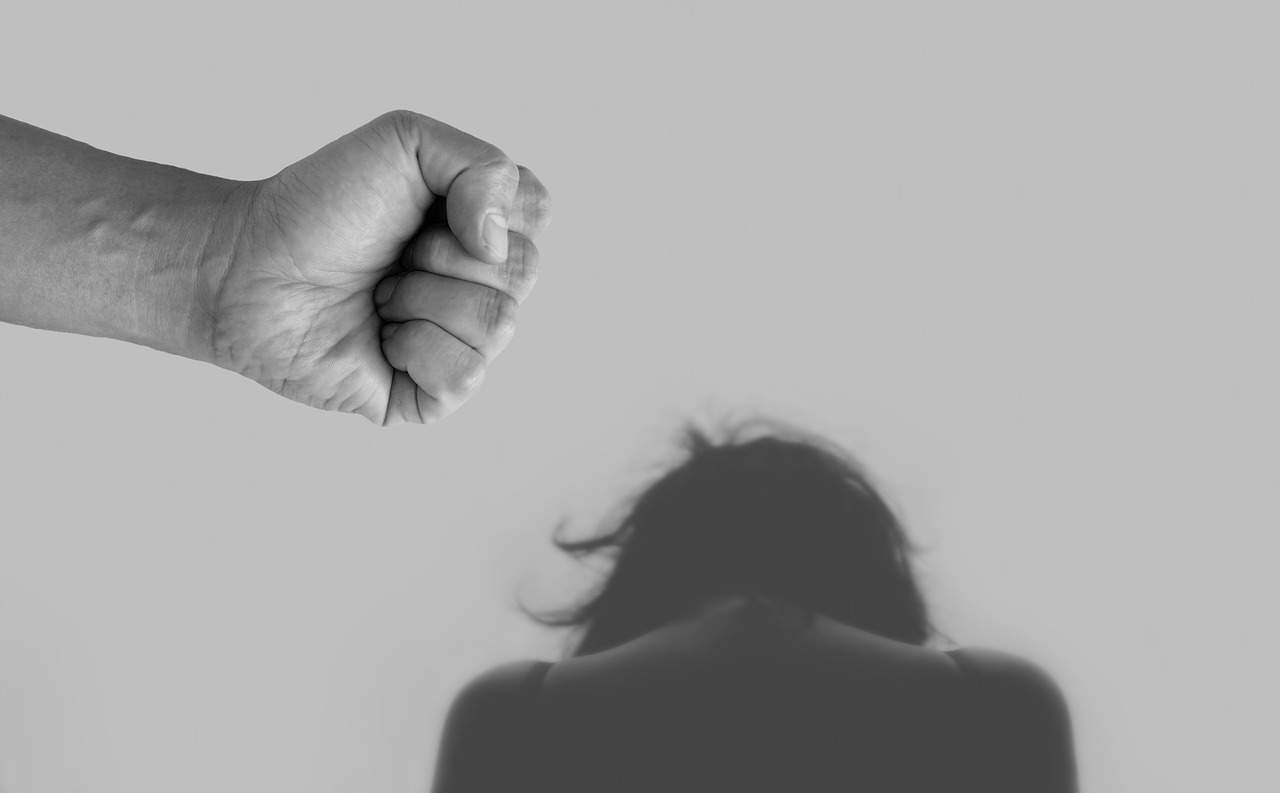 Violência doméstica na quarentena: saiba como fazer a denúncia!