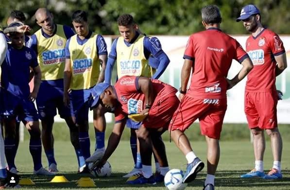 Resultado de imagem para Bahia enfrenta o Corinthians para entrar na zona de classificação à Libertadores