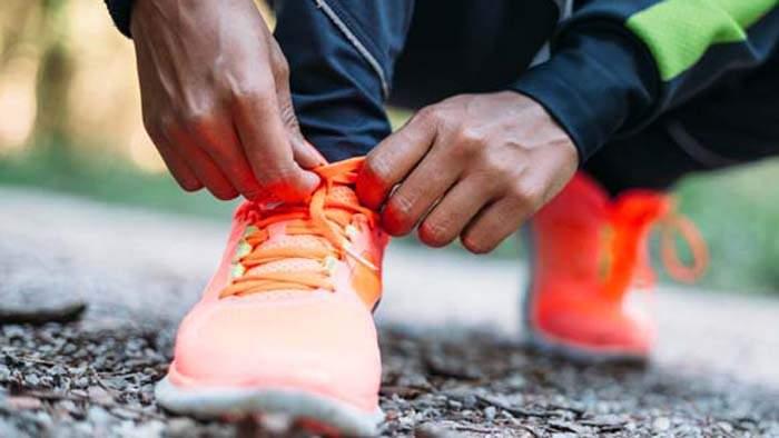 1c9190465de Conheça os seis principais problemas de saúde que o uso do tênis ...