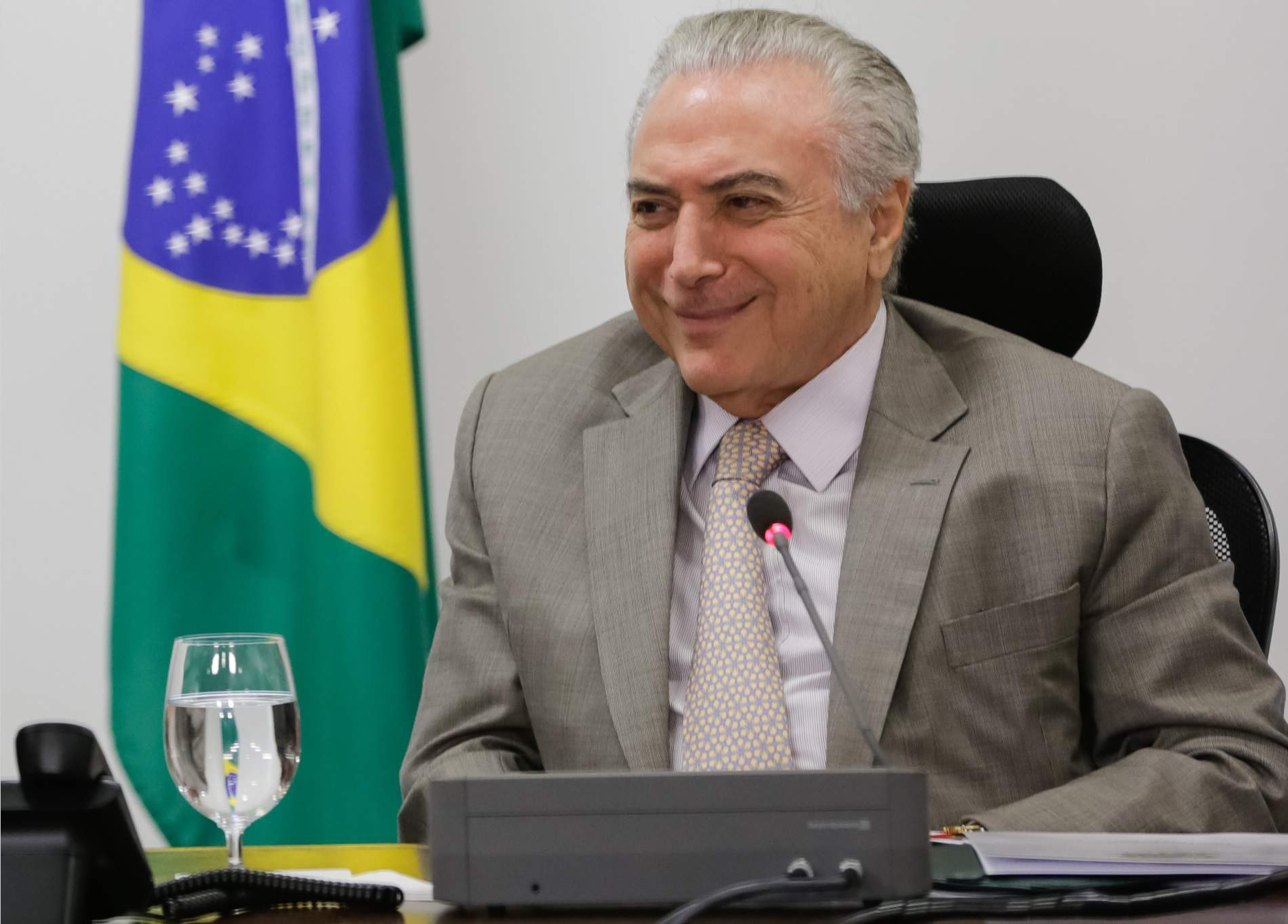 Governo zerou fila de espera no Bolsa Família, diz Temer em cerimônia no Planalto
