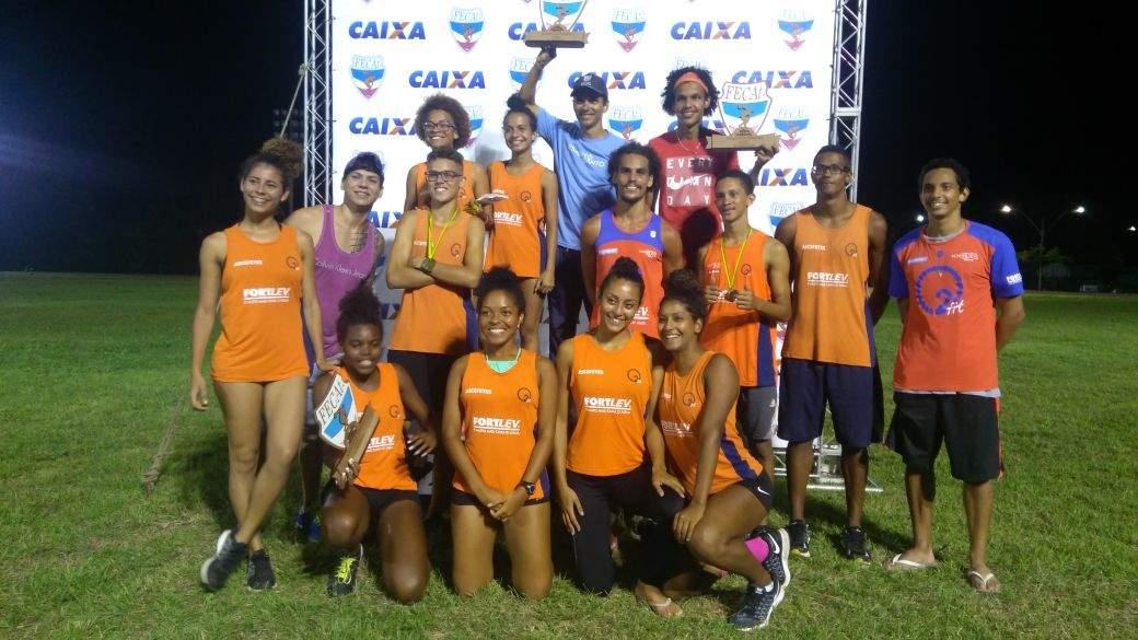 22264b09dd Campanha arrecada doações para incentivar jovens na prática do atletismo em  Vitória