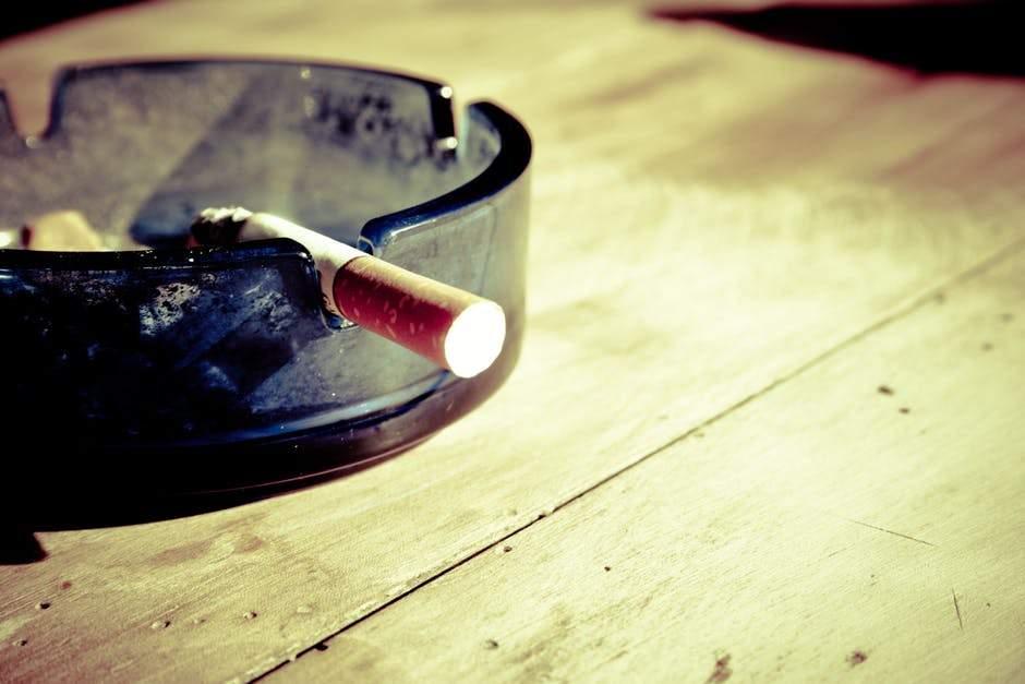 Número de fumantes passivos diminui no Brasil, segundo Ministério da Saúde