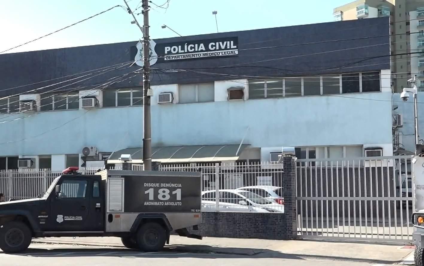 Criminosos encapuzados invadem casa em Cariacica e deixam um morto e um ferido - Jornal Folha Vitória