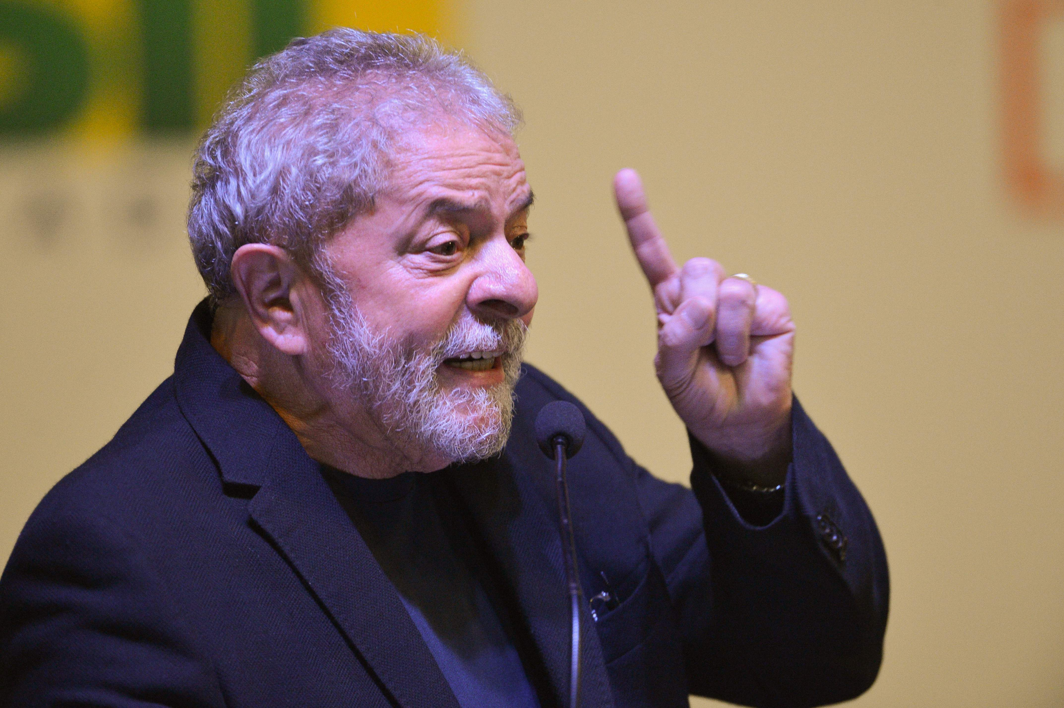 Moro intima Lula sobre bloqueio de bens e contas bancárias